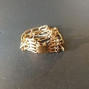Banana Republic Womens Bracelet Goldtone